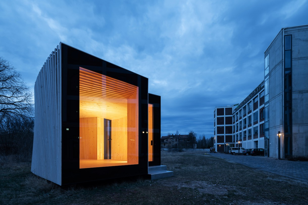 Timber Prototype House Abendstimmung